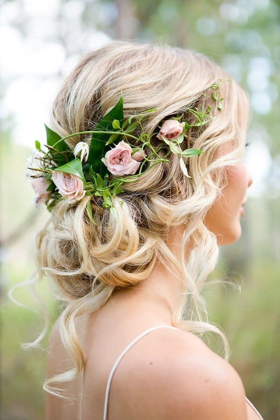 Stunning Spring Wedding Hairstyles With Floral Details