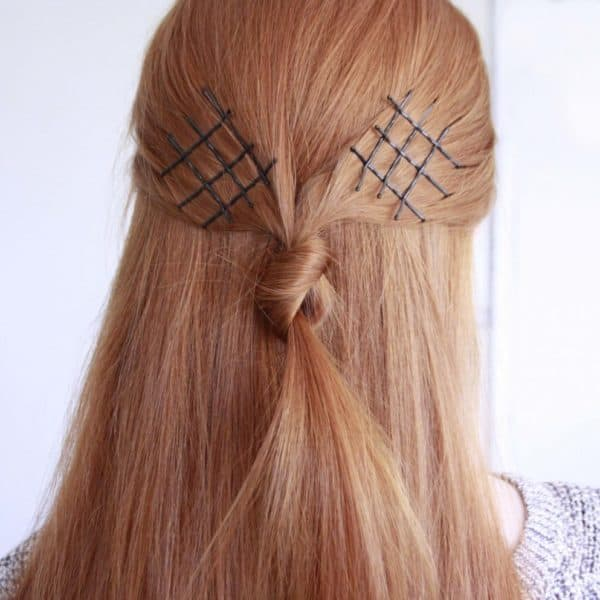 Eye Catching Exposed Bobby Pins Hairstyles That You Have To Check Out