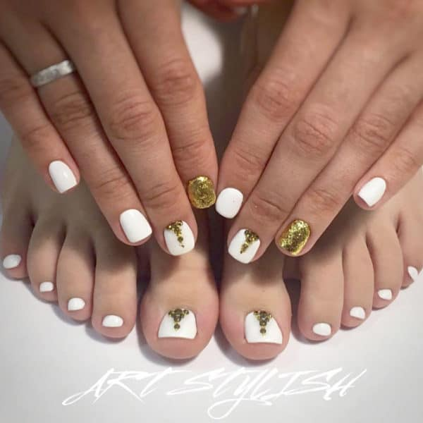 Matching Manicure And Pedicure Ideas That Are Currently Trending