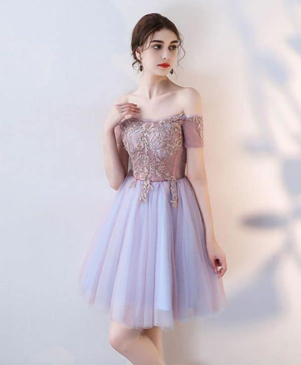 Glamorous Short Dresses That Are Just Right For Prom
