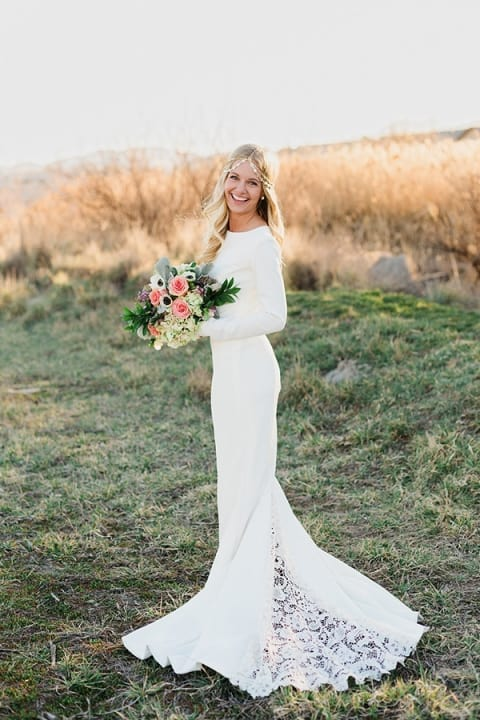 Effortlessly Chic Boho Wedding Dresses For The Free Spirited Brides