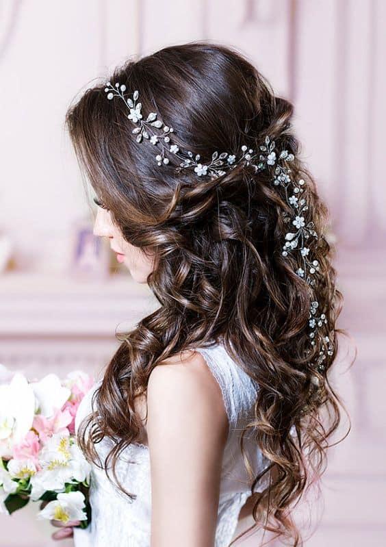 Zarte Haar Reben für die raffinierte und elegante Braut