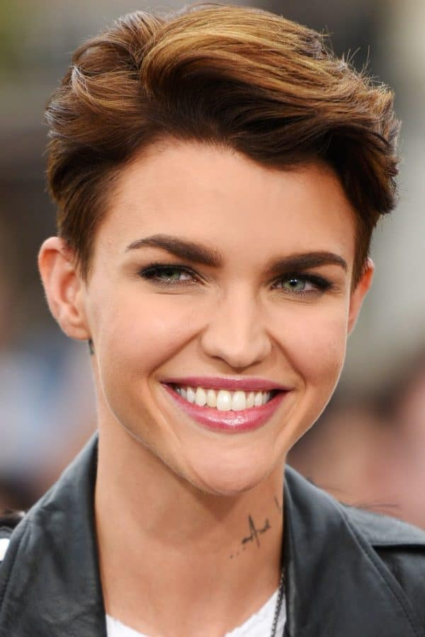 Amazingly Short Haircuts For Women That Are Currently In Style