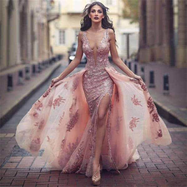 Remarkable And Non Traditional Wedding Gowns For The Unique Bride