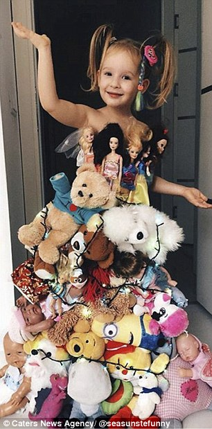 Adorable Turkish Girl Wearing Celebrities Inspired Outfits Made Up With Household Items By The Magical Hands Of Her Mum