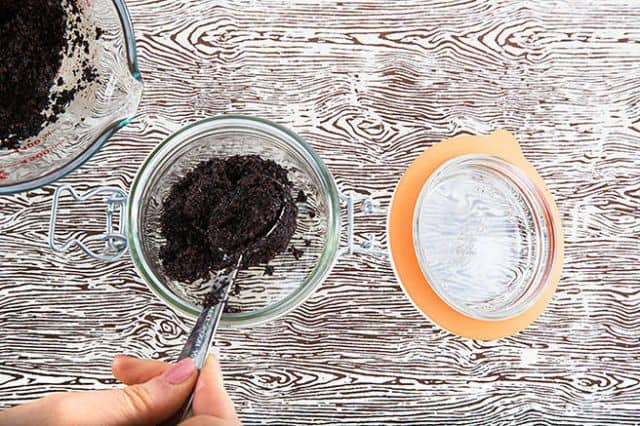 DIY Recipe To Easily Get Rid Of Celulite By Using Coffee Scrub