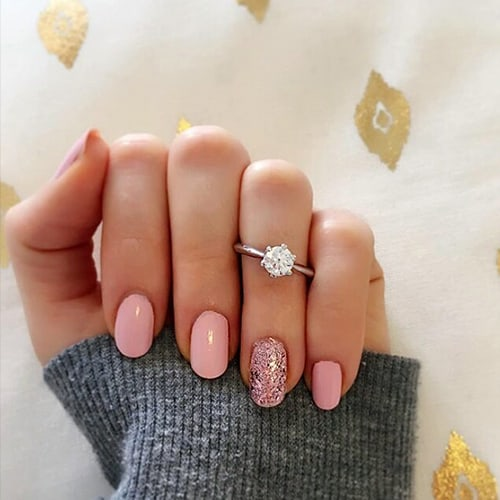 Important Guidelines To Create The Perfect Engagement Ring Selfie
