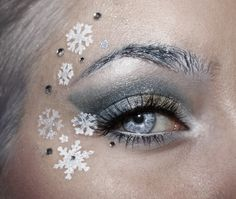 Christmas Themed Makeup Ideas For An Unusual Christmas Experience