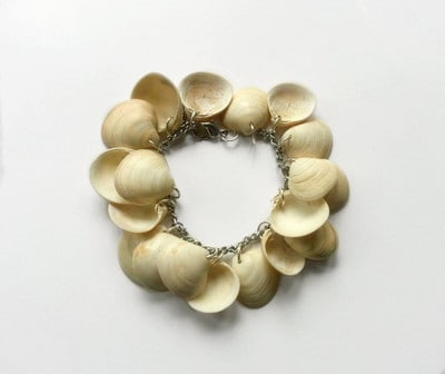 Creative DIY Sea Shells Jewelry That You Must Try On Your Own