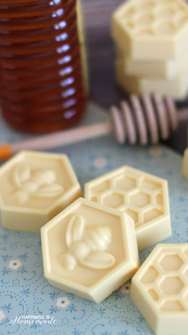 The Most Effective Homemade Soaps To Keep Your Face Skin Beautiful