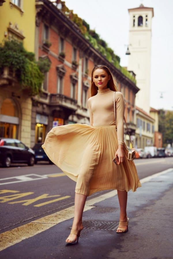 Inspiring Ideas On How To Wear Your Favorite Pleated Dress