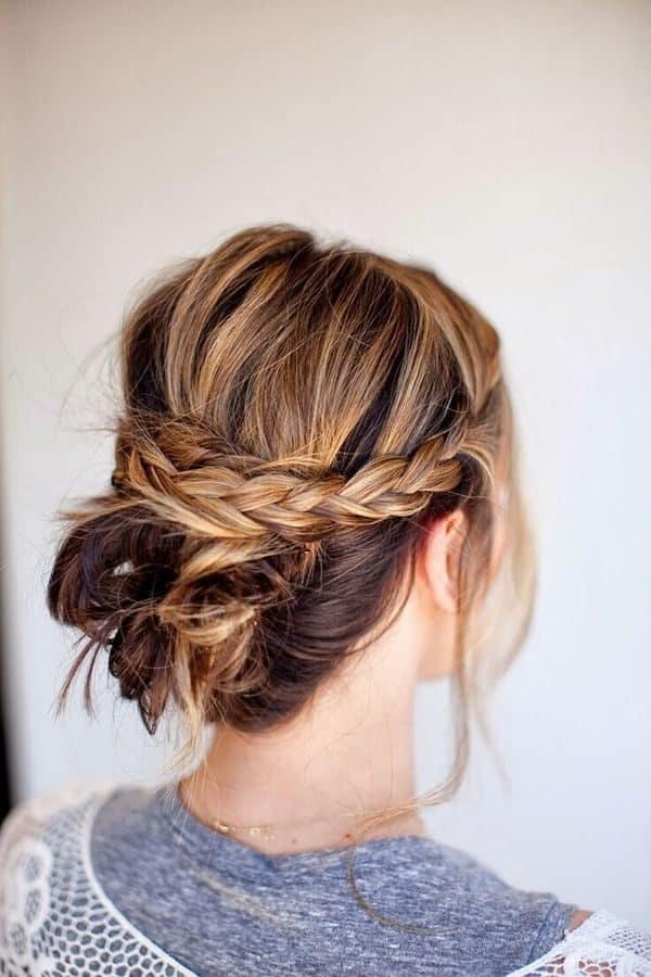 Messy Updo Ideas That Are Great For Every Occasion