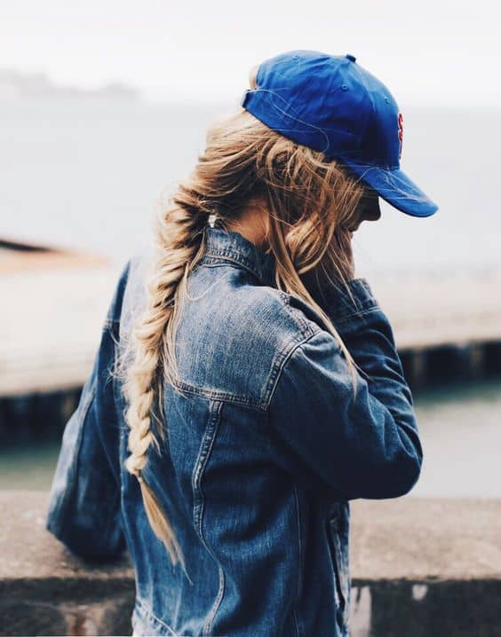 Stylish Hat Hairstyles That Are Great For This Fall