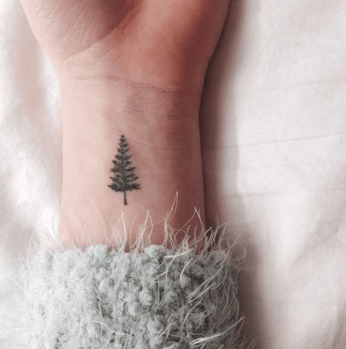 Winter Tattoo Ideas That Are Perfect For All The Winter Lovers