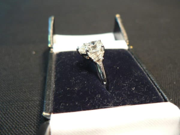 4 Different Types of Diamond Engagement Rings