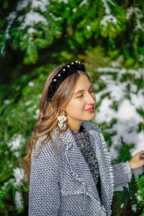 Wonderful Ways To Style Your Hair With Winter Headbands