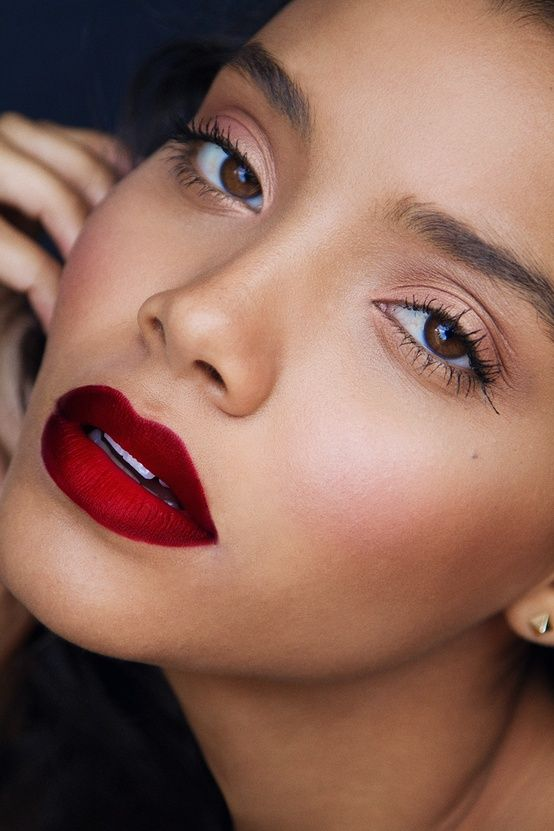 Winter Lipstick Makeup Ideas That You Should Try This Season
