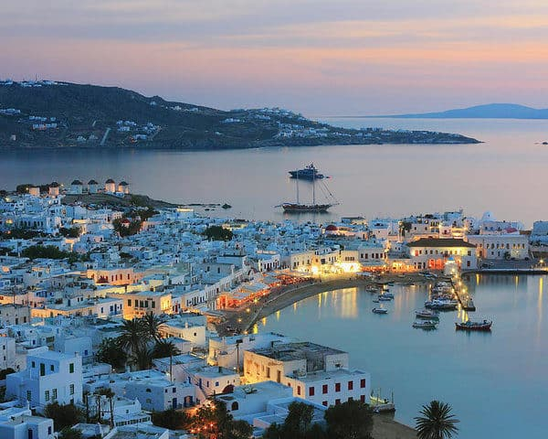 When to visit Mykonos and what you will find