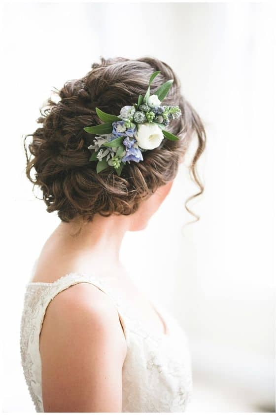 Floral Hairstyles That Are Just Perfect For Your Spring Wedding