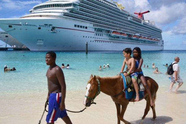 Family First: 5 Things That You Should Pack for Your Next Family Cruise