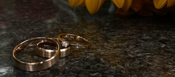 Engagement rings. Golden or silver?