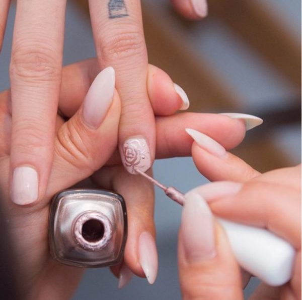 Beautiful Spring Nails That Are Perfect For The Spring Bride