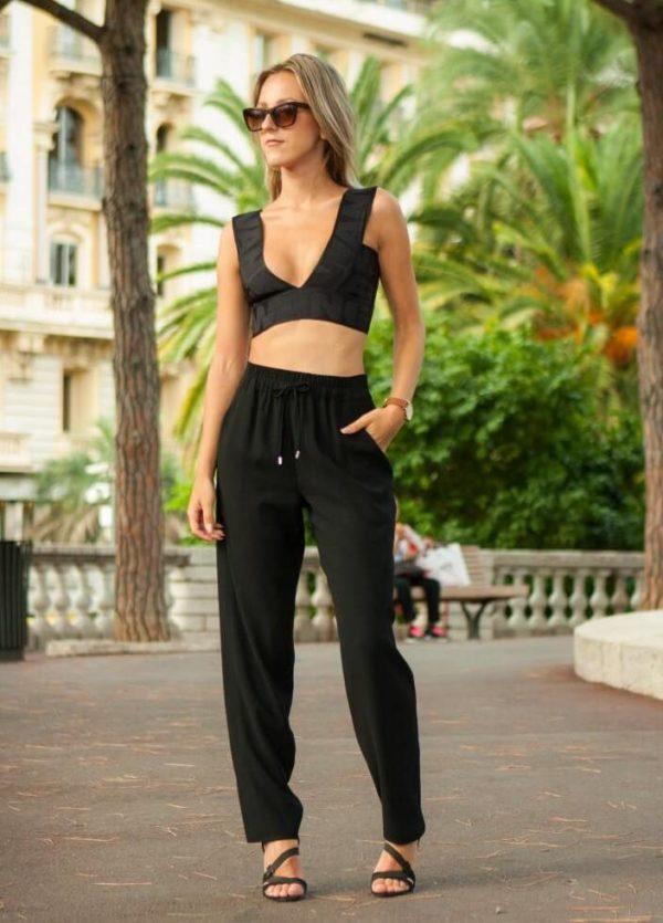 Inspiring Crop Top Summer Outfits That Will Make You Look Fabulous