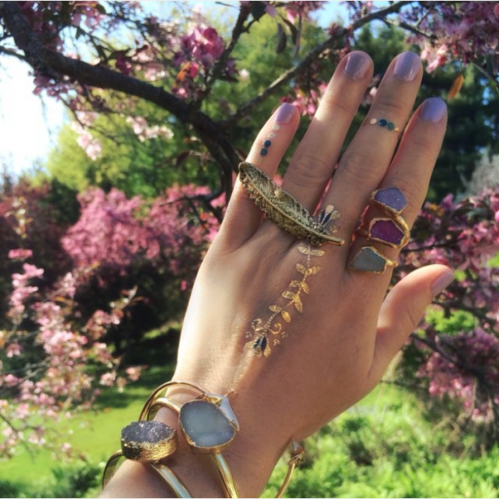 Shiny Gold Tattoos That Are Perfect For The Summer