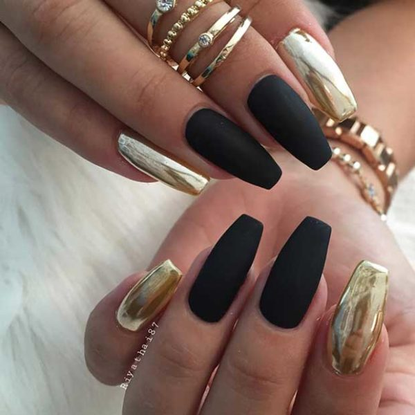 Impressive Metallic Nails That Will Make You Look Glamorous