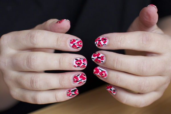 Beautiful Poppy Nails That Will Amaze You