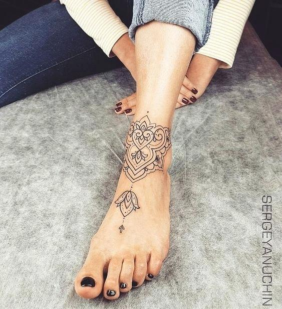 Charming Ankle Bracelet Tattoos That Will Amaze You
