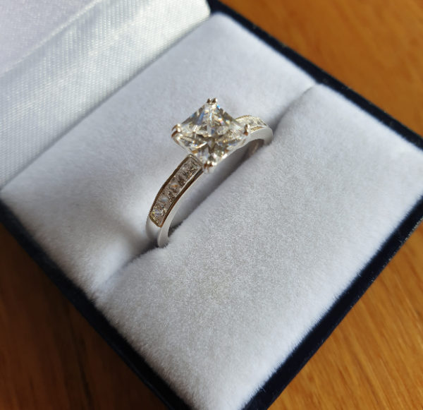 5 Engagement Rings to Turn Your Proposal into a More Romantic One