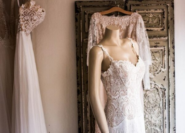 Wedding Dress Features for Both Fashion and Function