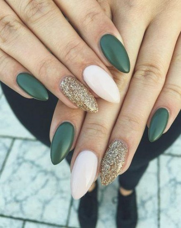 Dark Green Manicure Ideas That You Would Love To Try This Fall