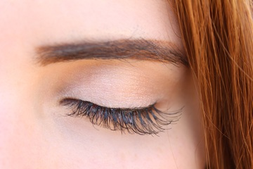 Cleaning Your Eyelash Extensions