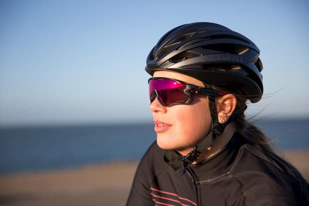 Oakleys & Replacement Lenses: Get Premium Style & Eye Safety