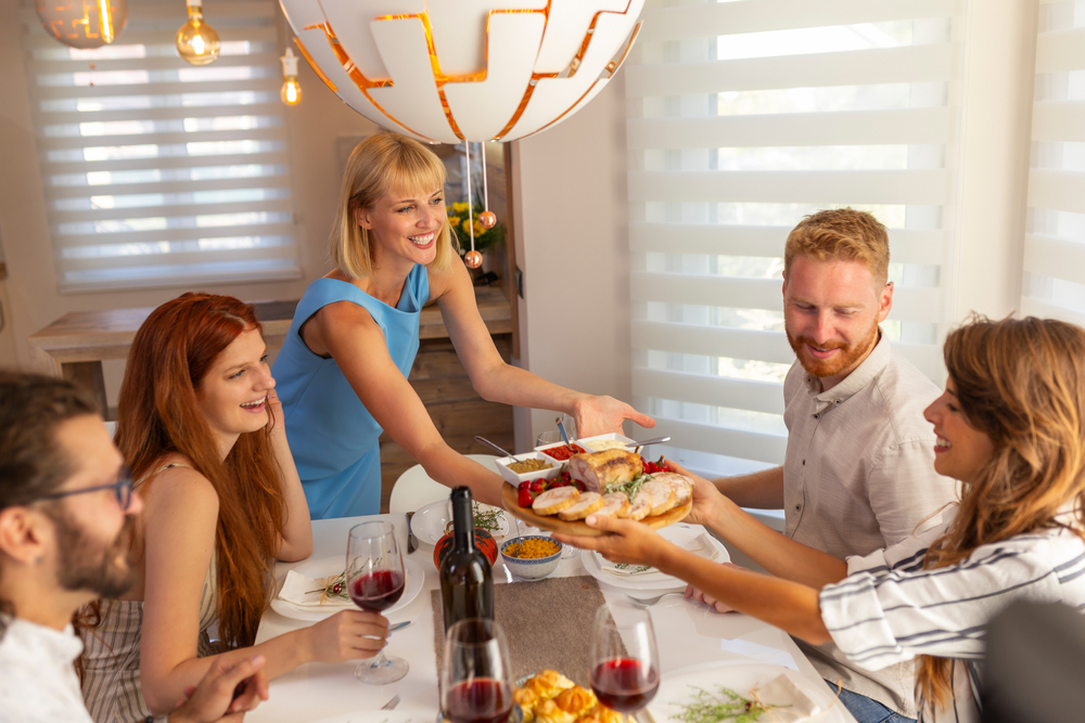 5 Ways to Impress Your Houseguests