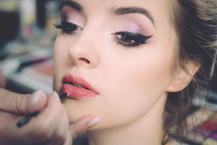 Fascinating Ideas on How to Make Your Makeup Sweatproof