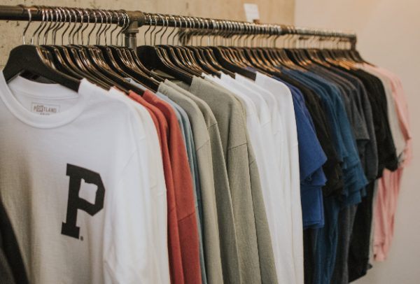 4 Tips and Tricks for Choosing Women's Clothing