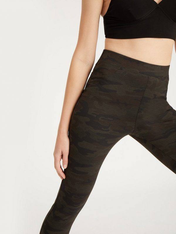 Camo Leggings Are the Essential Every Girl Needs This Fall